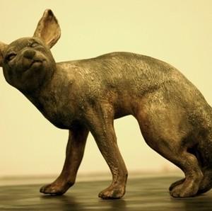 """תן, מתוך הסדרה """"ארץ התן"""", 2009 פסל קרמי 46x58x20 סמ"""