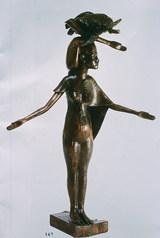 """איזיס - תומרקין יגאל, 1994 , ברונזה, גובה : 90 ס""""מ"""