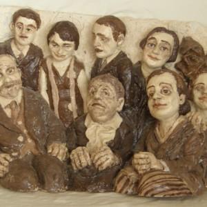 תצלום משפחתי - אפשטיין חוה, 2006, פיסול קרמי, 22x56x35 סמ