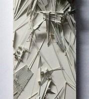 """אמיר תומשוב דולי סיטי: מודל קונספטואלי 8 2008 מודל PVC, קרטון וצבע סינטטי על MDF 60X17 ס""""מ"""