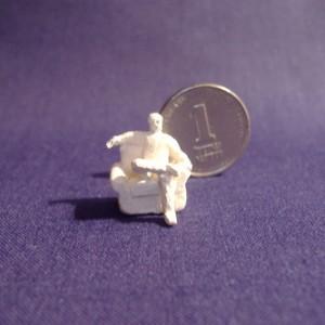 ללא כותרת, 2005 פיסול ידני - Paper Clay 1x1x1.5 סמ