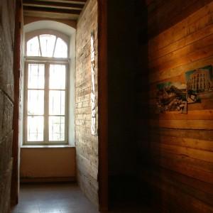 אלון כהן ליפשיץ (אדריכלות), מרסלו לאובר (צילום), ערן זקס (סאונד), מיצב, 2004