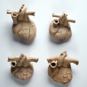 """4 לבבות חימר 2009, חימר 10X12 ס""""מ כל אחד"""