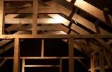 ארי פישר, עבודה מס' 11, 2012, קרשי בניין, 300א 260ר 300ג סמ, צלם - סשה פליט, Ari Fischer, Arbeit Nr. 11,2012,Scaffolding Wood,Photo by Sasha Flit