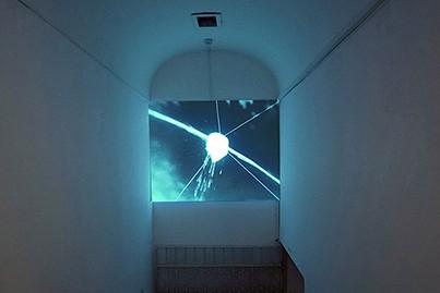 קשת חם (2012), אורי ניר, וידאו חד-ערוצי, 351 דק. צילום שלמה העבודה הופקה בתמיכת קרן Outset. סרי