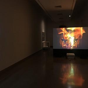 משוואות לגוף נופל סמוך לפני האדמה (2011), מאיה אטון, ויטראז׳, 92x62 ס״מ, אורסולימום (2012), רן סלוין, וידאו חד-ערוצי, 1648 דק. צילום מאיה אטון.