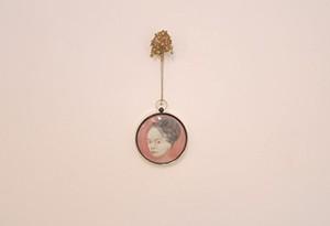 Blimp, Netally Schlosser, 2012, oil on canvas, pendant, 2x19x50 cm