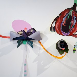 איל ששון, מראה הצבה בגלריה P8 , תל אביב, 2019, אקריליק על נייר וצבע על קיר Eyal Sasson, Installation view, P8 Gallery, Tel Aviv, 2019, Acrylic on paper and paint on wall